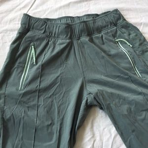 Columbia Omni shield outdoor jogger pants size M